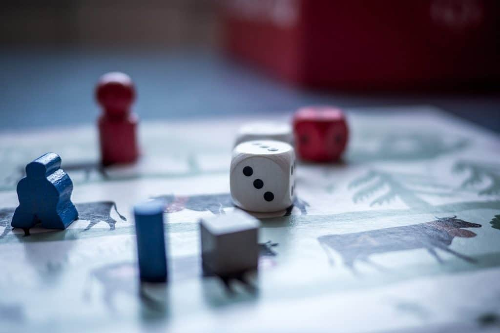 Best Dice games with pawn