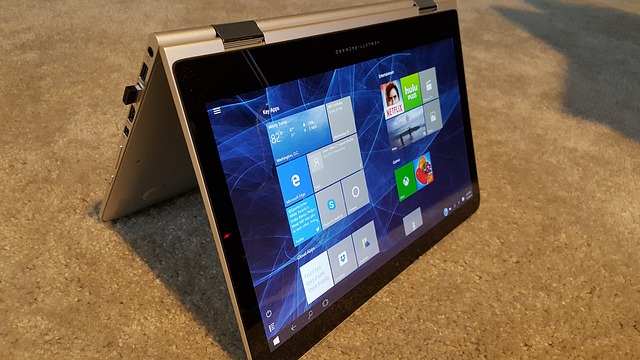 laptop with OS windows 10